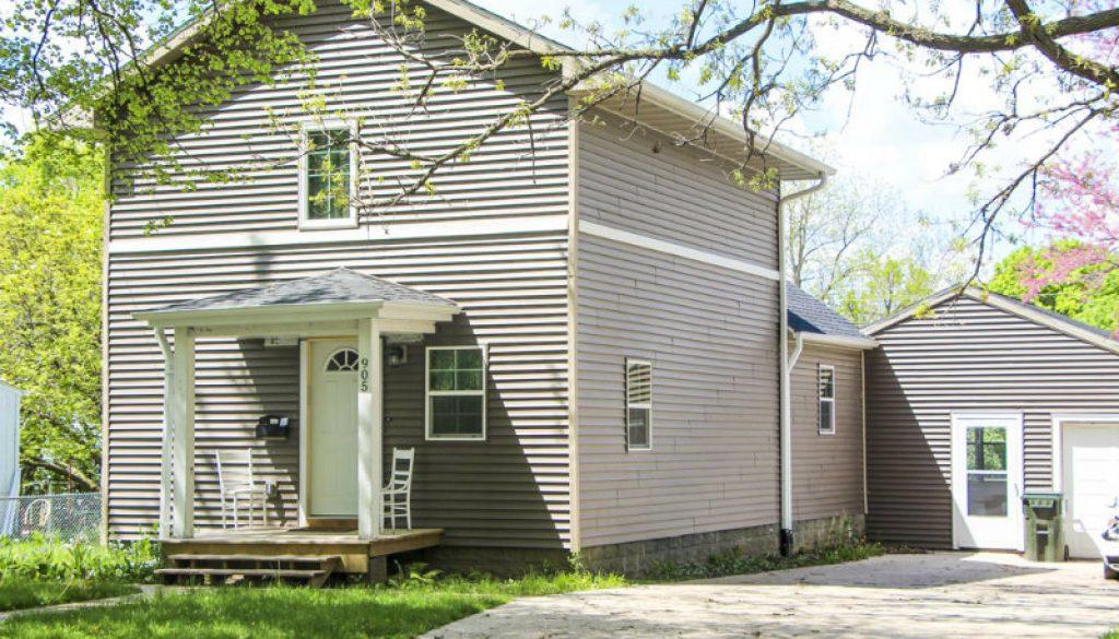 1463775453_1-ERP-Rental-Properties-Iowa-City-905-Webster-Home-Exterior-2